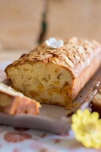 Cake pêches amandes réduits  (1)