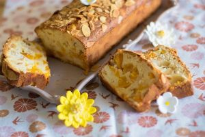 Cake pêches amandes réduits  (4)